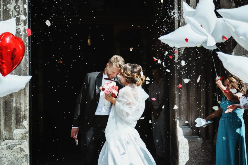 結婚式司会者