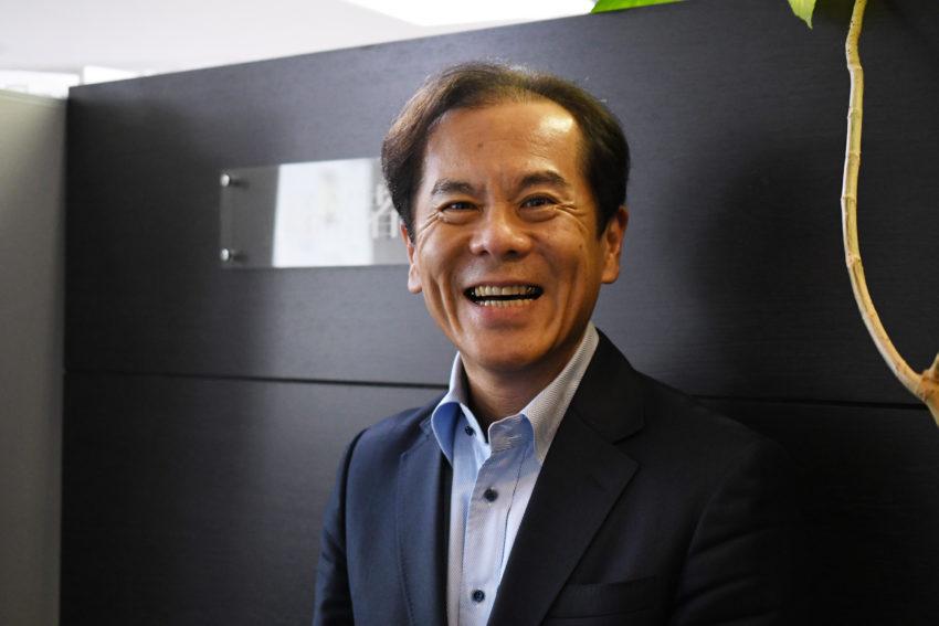 インタビューに答える経営者JP・井上和幸氏3